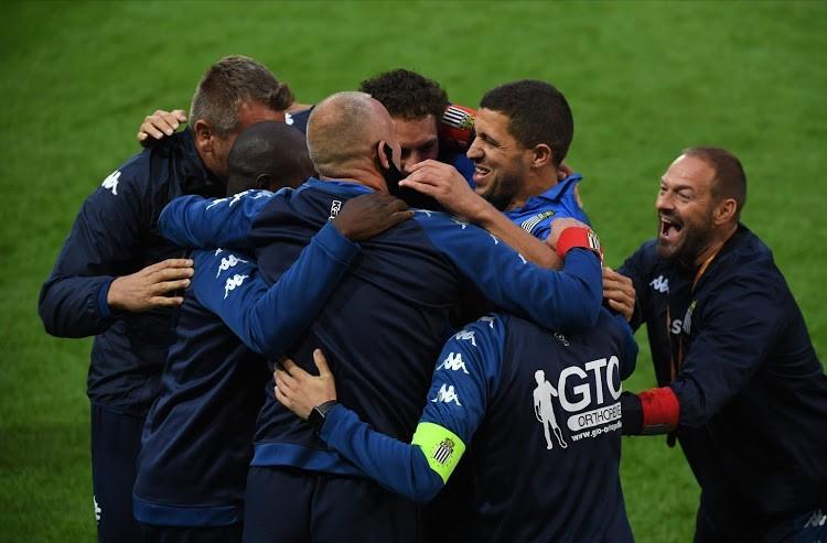 Le Debrief Sports Belhocine Trone Sur La Jupiler Ligue Ferhat Et Faivre Buteurs La Jsk En Coupe De La Confederation Dzair World