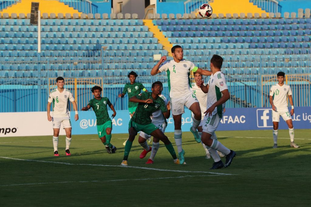 L'Algérie encaisse un second but de l'Arabie Saoudite sur corner