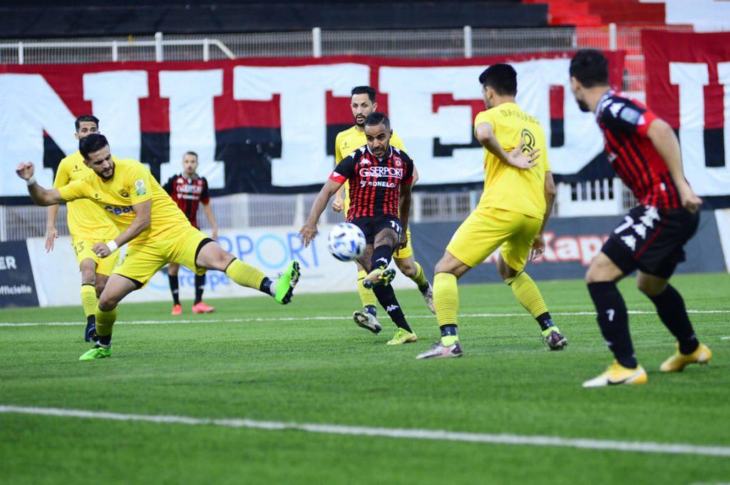 L'USM Alger s'impose à domicile face à Bord Bou Arreridj.